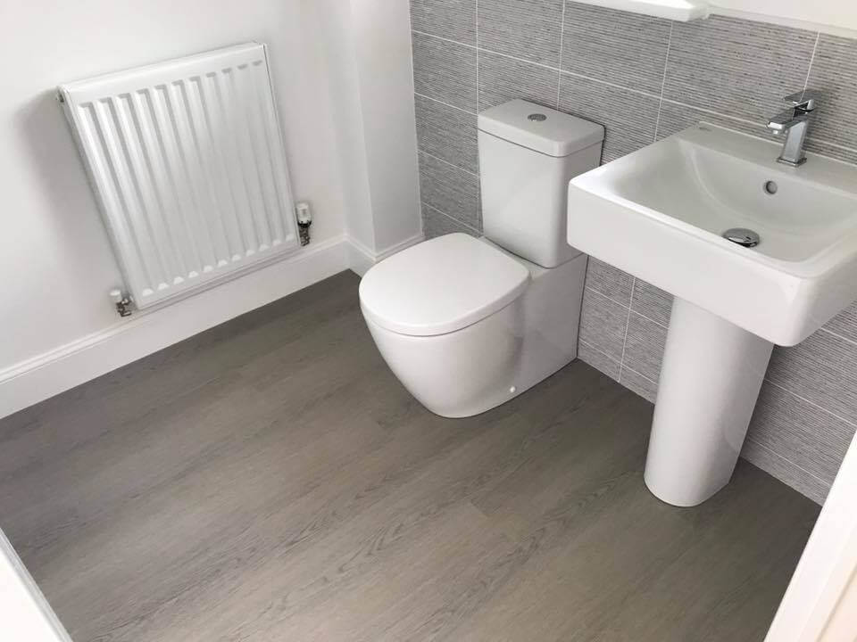 bathroom grey laminate