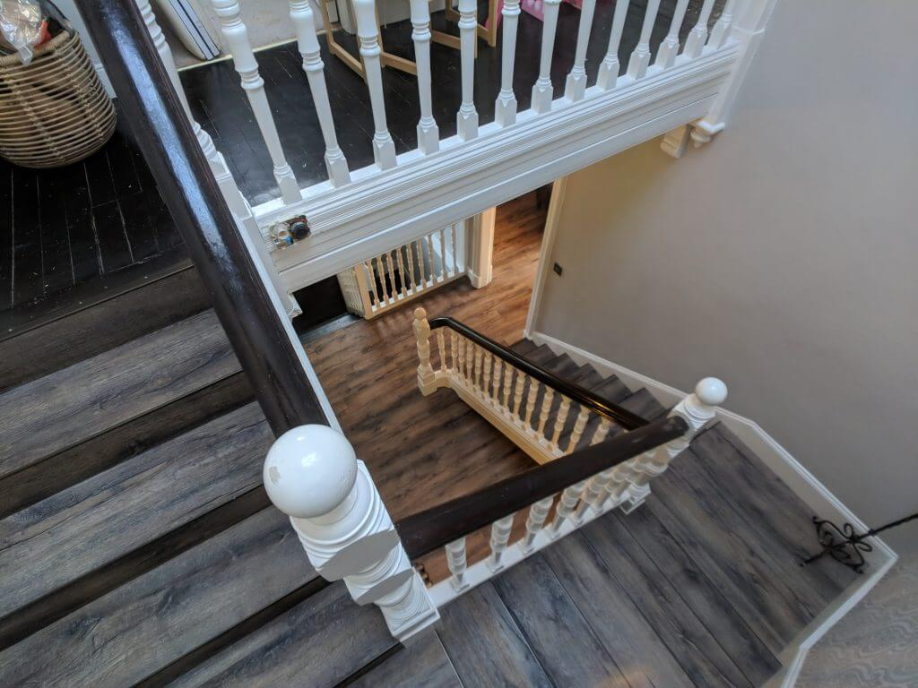 moduleo down stair with nosing