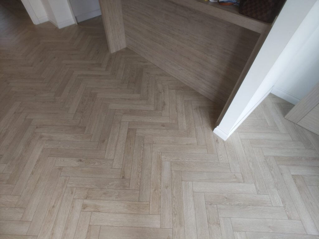 berry alloc herringbone grey laminate 3