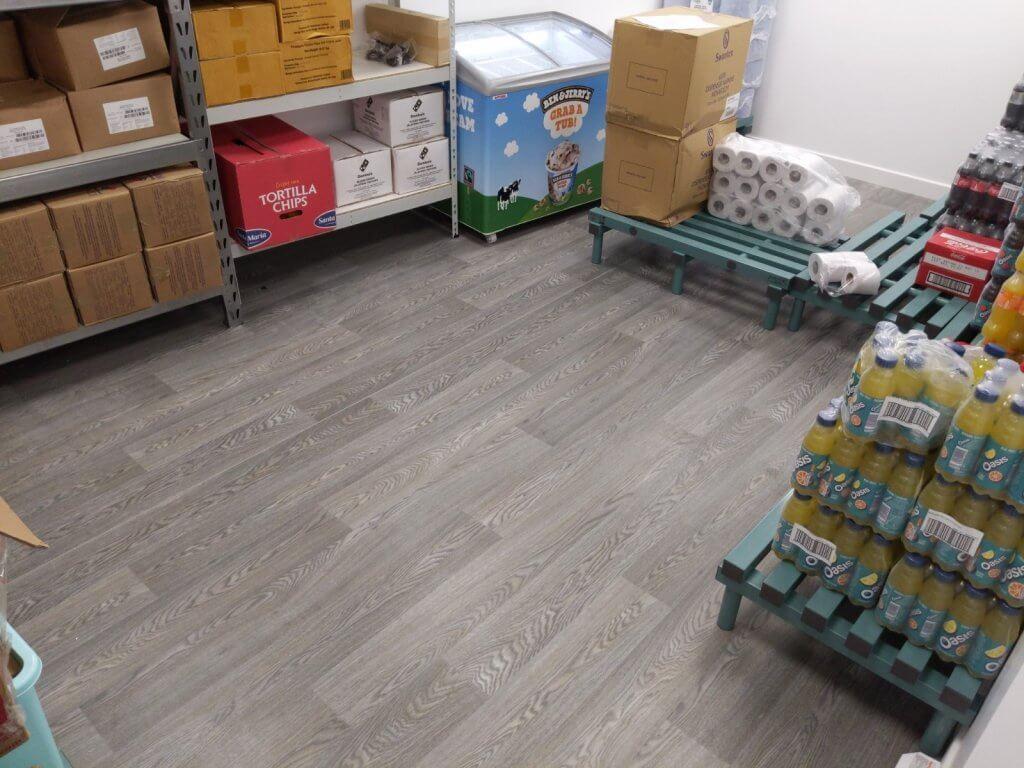 dominoes restaurant floor 1